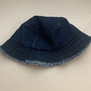 brandy melville bucket hat